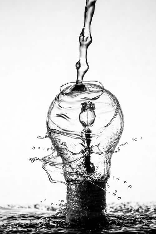 image of lightbulb in water