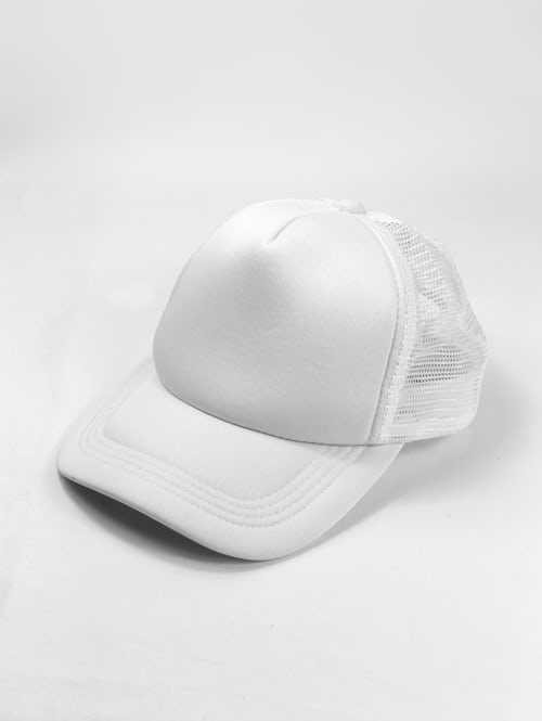 Image of white hat on creative copywriting SEO hat article